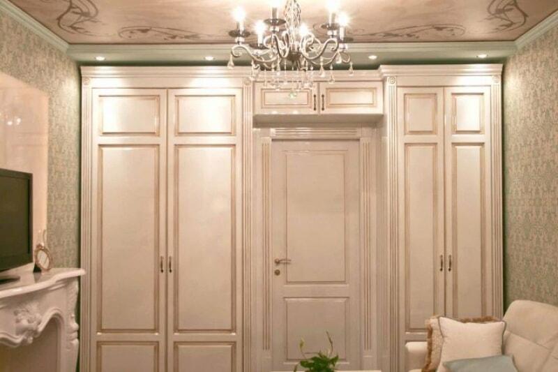 Шкафы, обрамляющие проем — превосходные идеи для воплощения в вашем доме