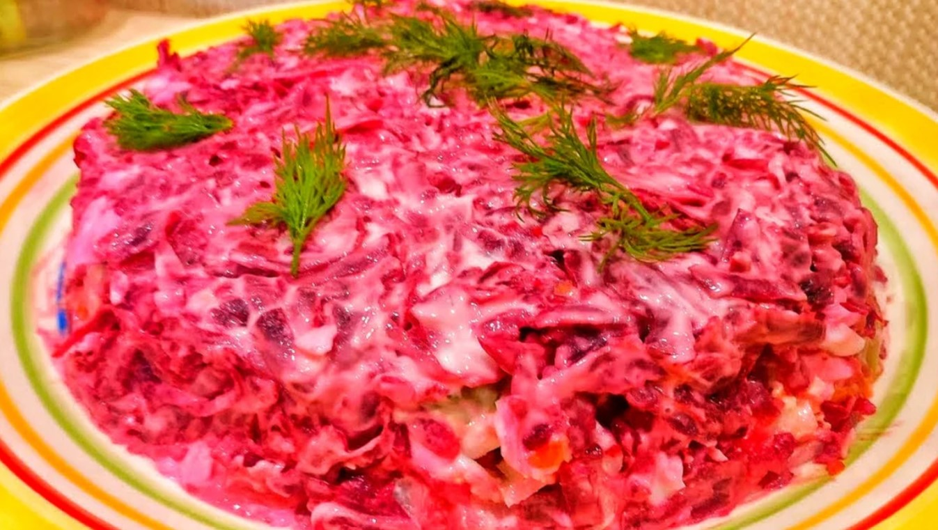 An original salad with liver and beets gives you a real treat