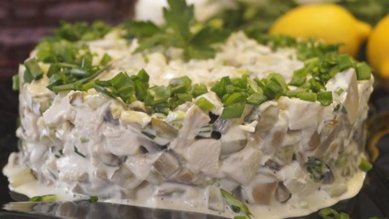 Лучшие салаты на праздничный стол. 6 рецептов